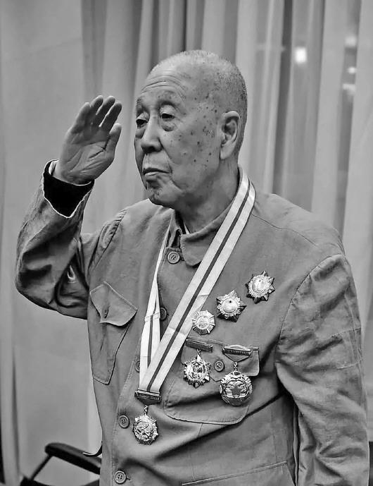 开国少将张中如在京逝世,享年100岁